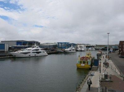Europese Keuken Modellen : Kijkje in de keuken britse maritieme industrie motorboot